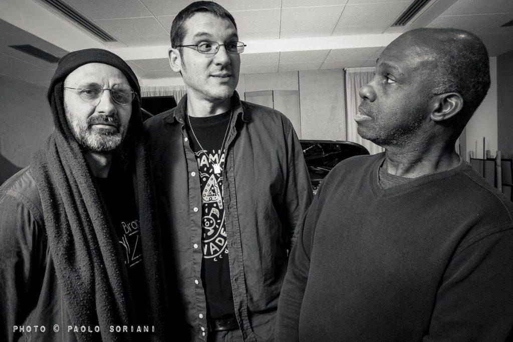 Photo de Roberto TARENZI Trio avec James CAMMACK et Jorge ROSSY